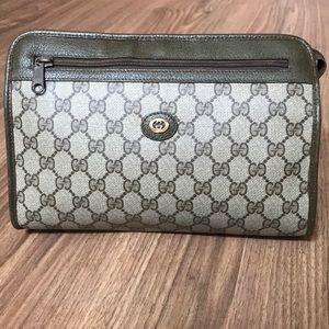 💯 % authentic Gucci clutch